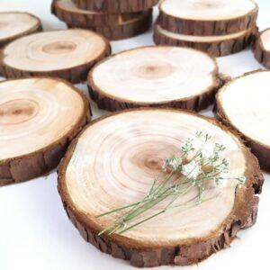 新鮮な香りも楽しめて、インテリアやコースターに最適な切り株